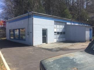 Napa Auto Parts building front